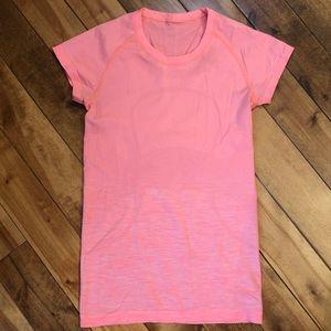 Lululemon Swiftly Tech T-shirt orange size 6